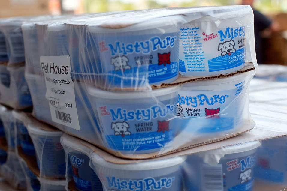 CTY-water-3pA-pallet-of-misty-Pure-water-for-pets-wa