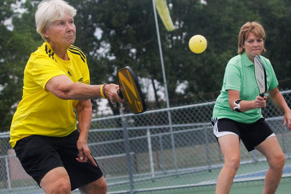 SPT-Pickleball06Connie-Mierzejewski-left-returns