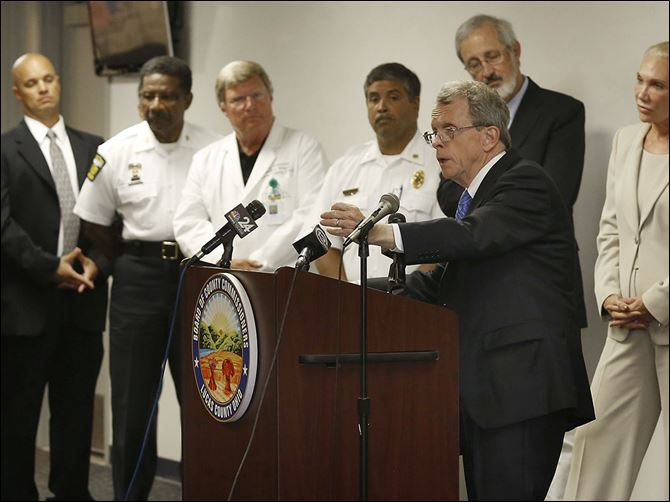 n4herion Ohio Attorney General Mike DeWine announces during a news conference at the Lucas County Emergency Center in Toledo a new pilot program to guide heroin addicts in their recovery. The program launched in June in­ves­ti­gates non­fa­tal over­dose cases by reach­ing out to fam­ilies and providing re­sources to get them into treat­ment.