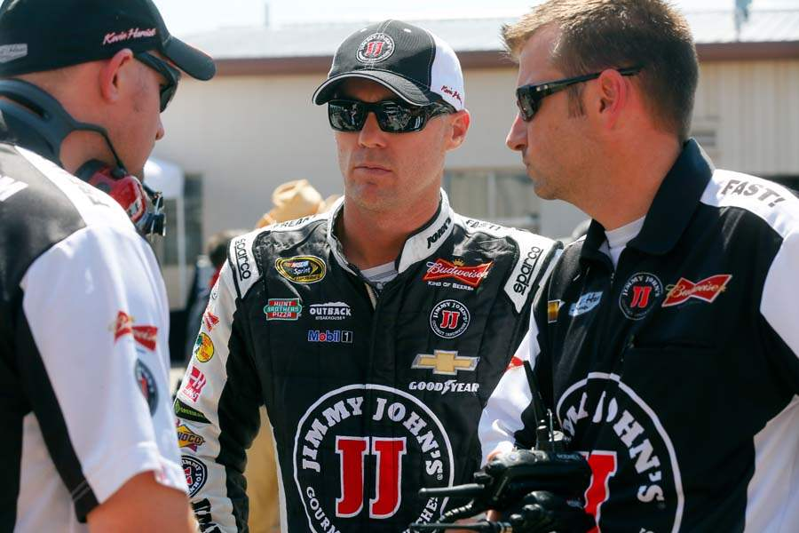 SPT-NASCAR-Kevin-Harvick-and-crew