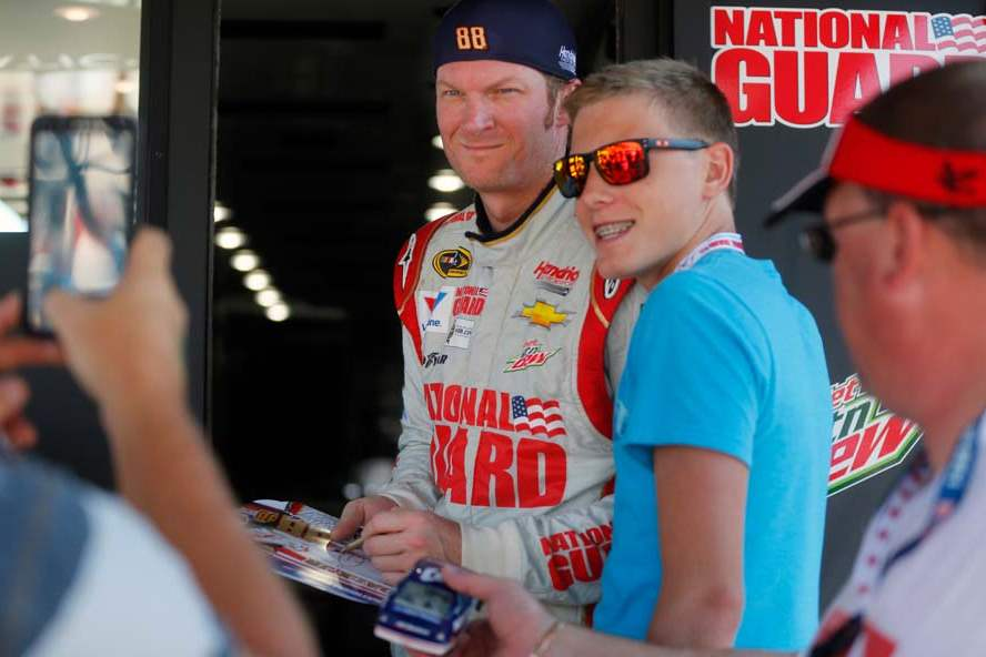SPT-NASCAR-earnhardt-with-fan