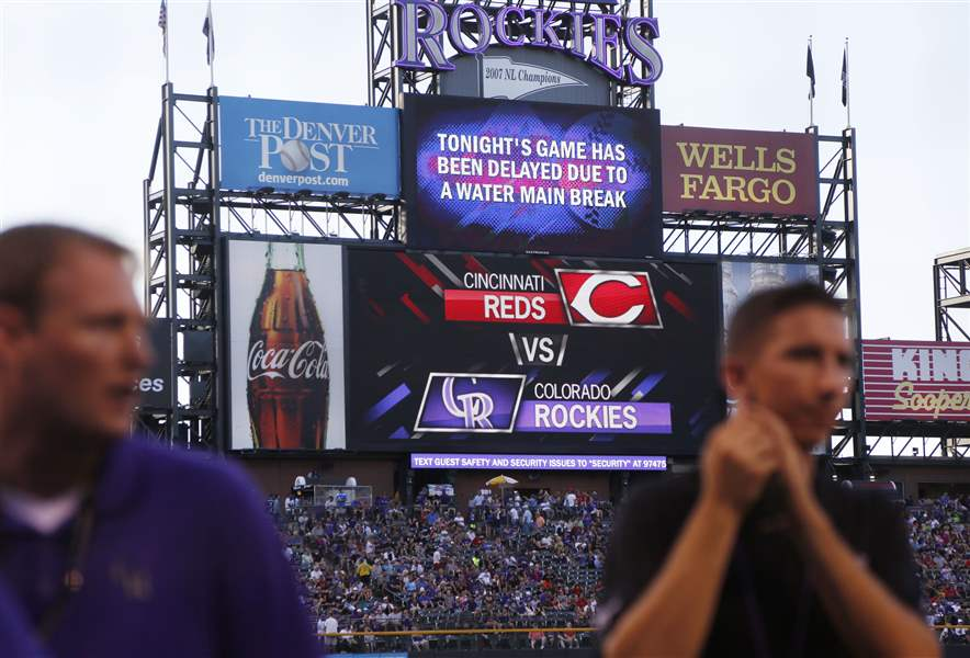 Reds-Rockies-Baseball-7