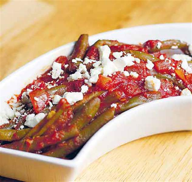 Slow-cooked-green-beans-with-cinnamon