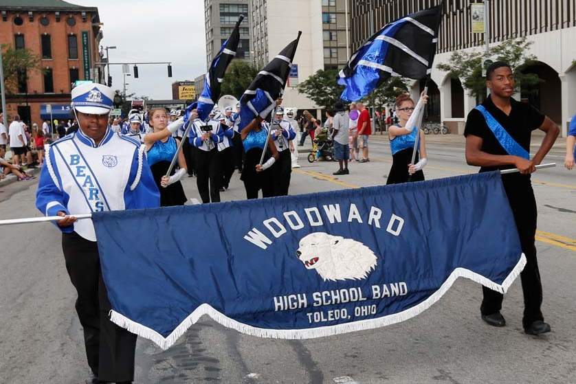 CTY-parade02p-woodward-band