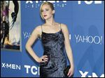 As investigators work to determine who stole and posted nude photos of several female celebrities online, including Oscar winner Jennifer Lawrence, efforts by the stars to have the images removed from websites made them increasingly difficult to find.