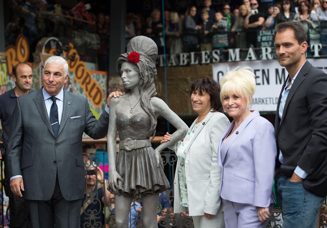 Statue Of Singer Amy Winehouse Unveiled In Camden Neighborhood Of London That She Loved The Blade