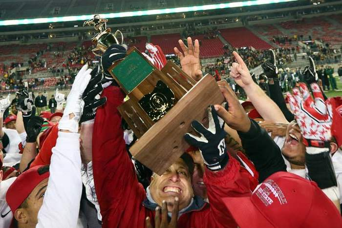 SPT-CentralFootball5p-trophy-coach
