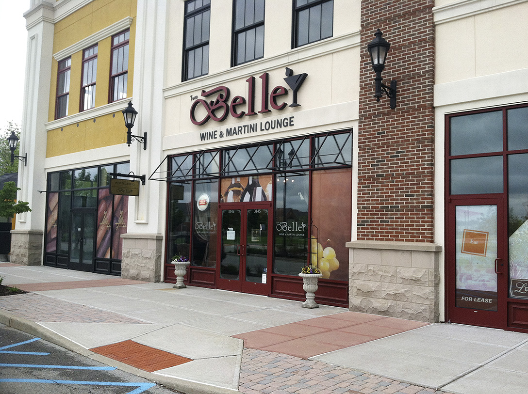 Tres belle wine martini lounge closes owners sue one for Jewelry store levis commons perrysburg