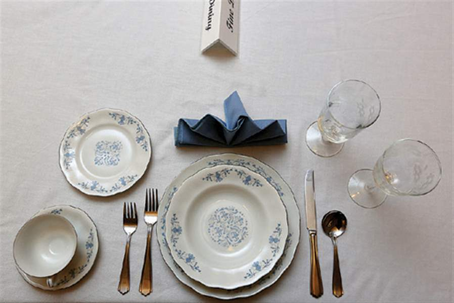 Table-settings-for-fine-dining & Toledo etiquette expert offers holiday advice - The Blade