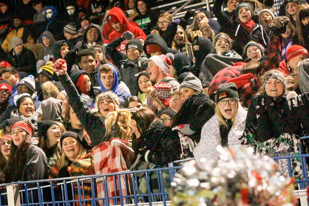 CentralBG15pCentral-Catholic-s-student-section-goe