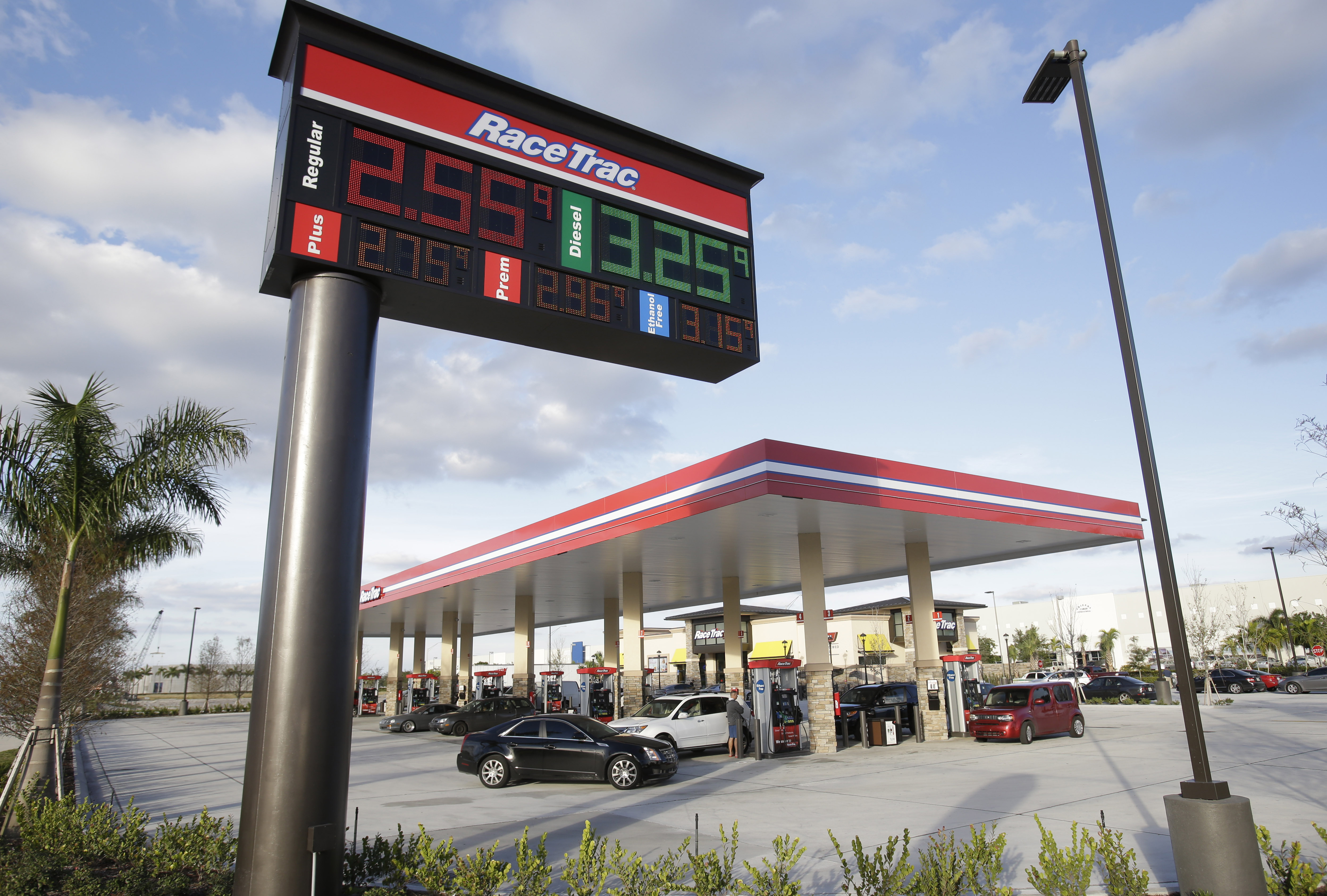 Low Gas Prices >> Gas stations cheer lower gas prices along with drivers - The Blade