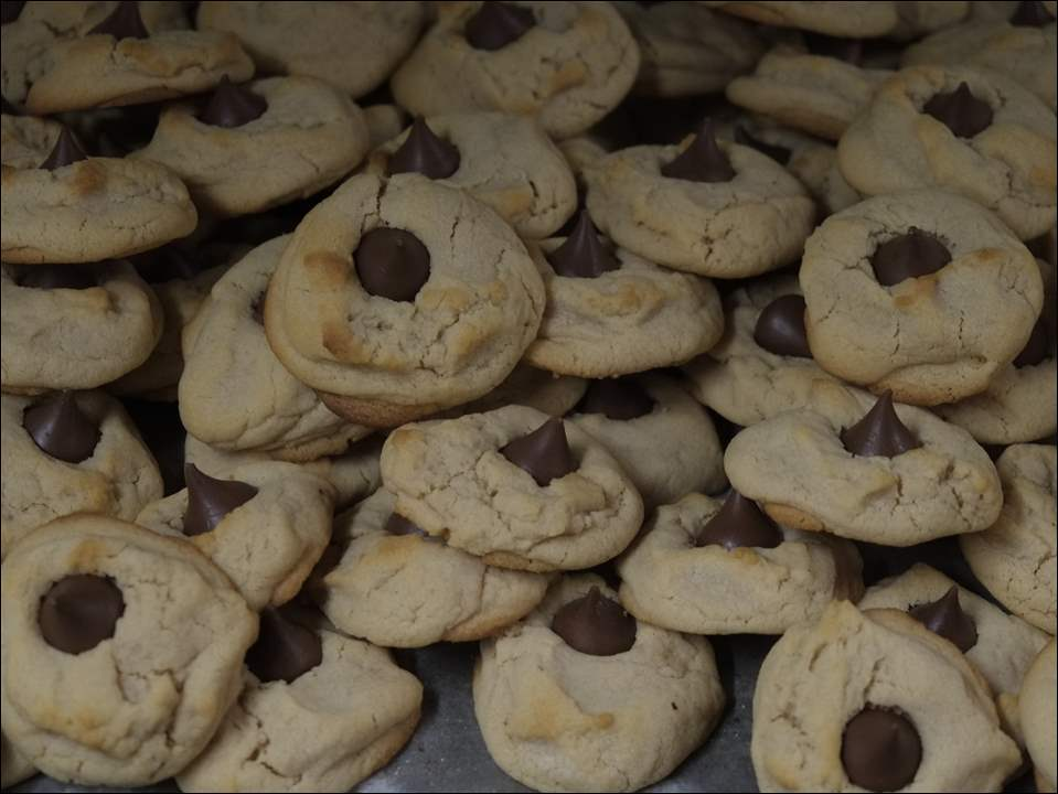 Peanut butter blossoms cool at Brieschke's Bakery in Sylvania, Tuesday, December 22,  2014.