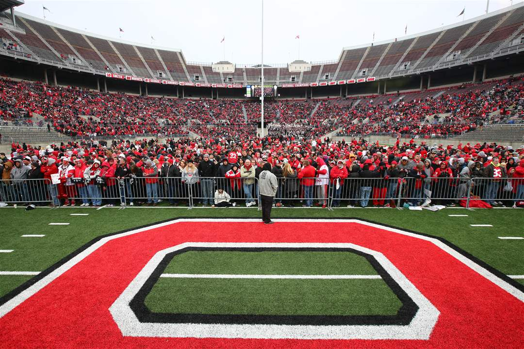 SPT-buckeyes25pOhio-State-fans-fill-the