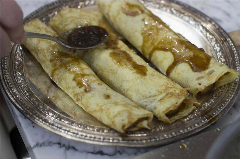 KitchenWise: Recipe for bananas Foster crepes