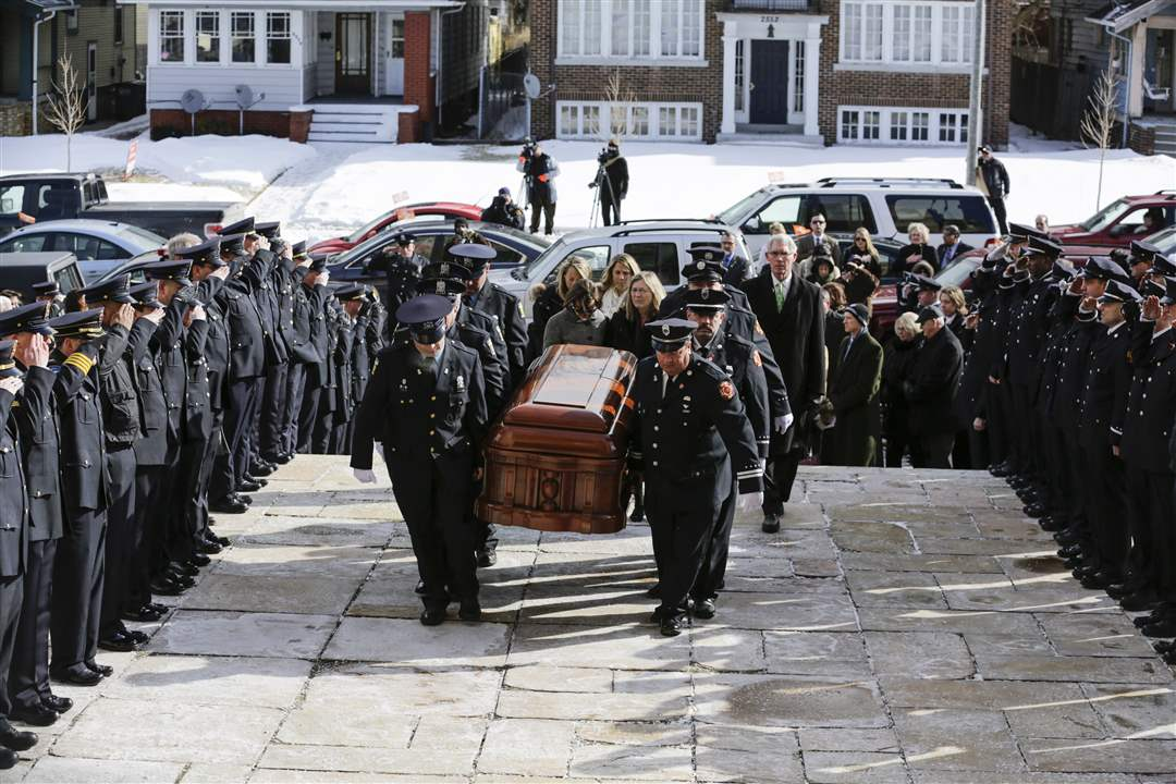 CTY-collinsfuneralThe-casket-of-Mayor-D-Michael-Collins-is-carr