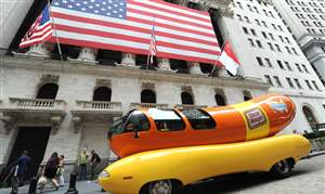 Oscar-Mayer-Wienermobile-75th-Birthday
