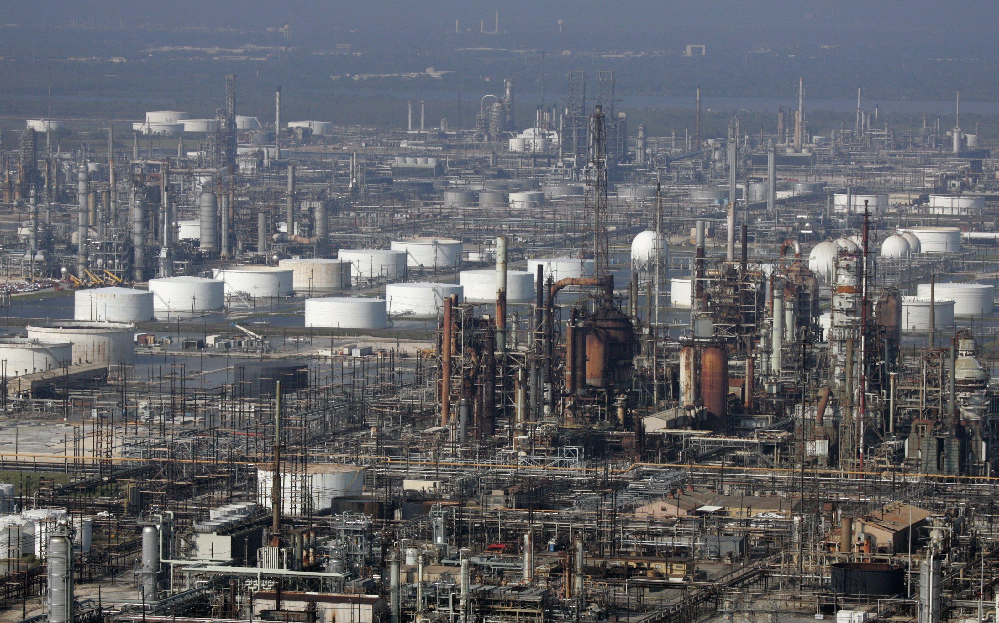 Refinery Workers Strike Spreads Biggest Location