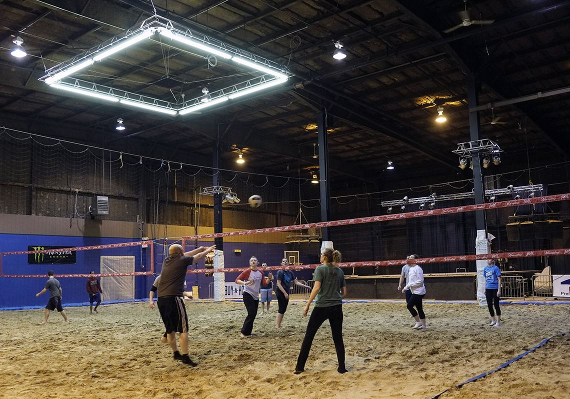 The Indoor Sand Volleyball At Headliners On North Detroit Avenue Opened Day After Christmas And