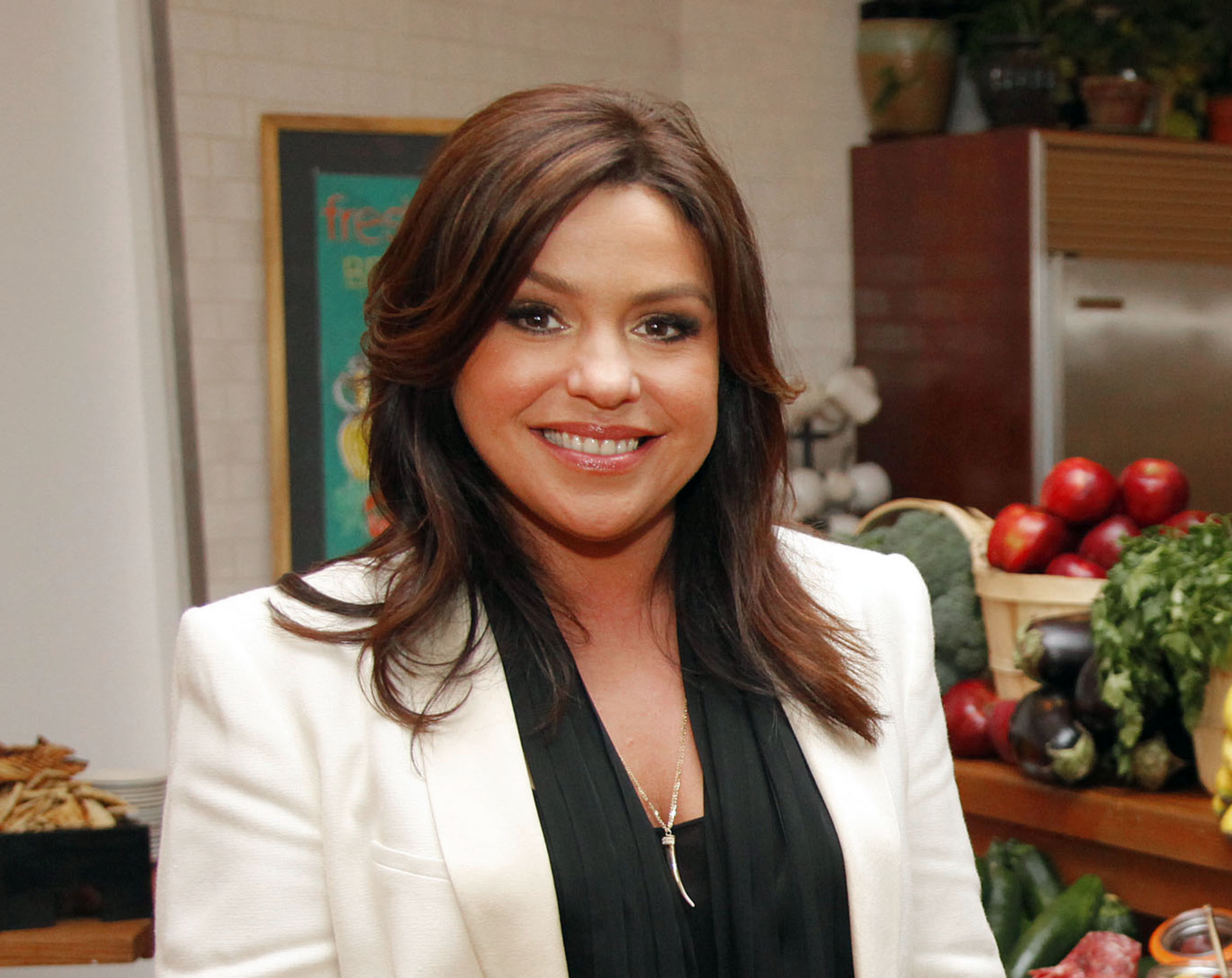 rachael ray launches tuition competition for culinary. Black Bedroom Furniture Sets. Home Design Ideas
