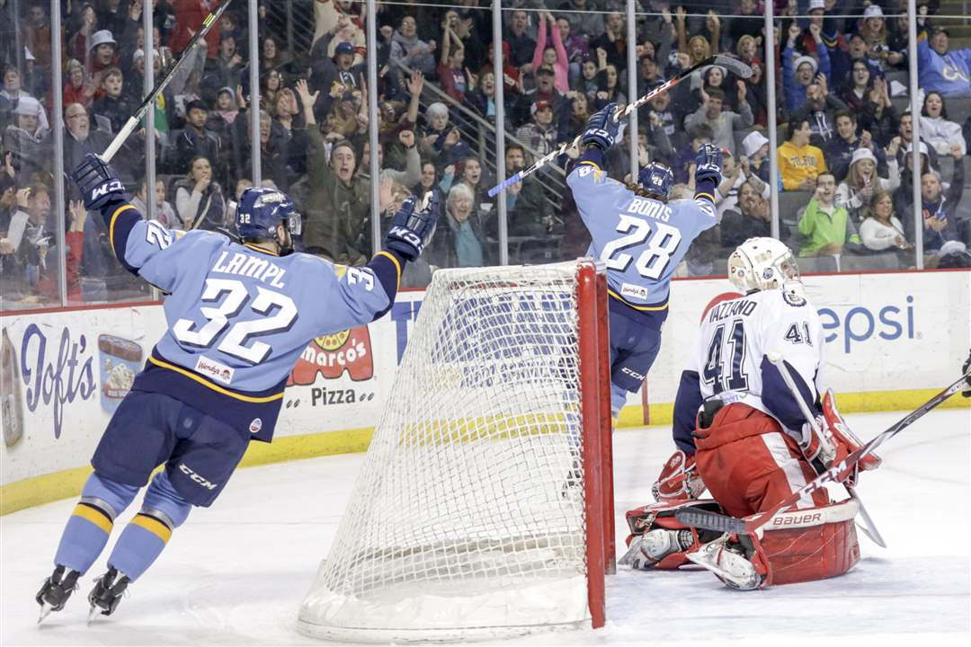 SPT-Walleye29pToledo-Walleye-players-Cody-Lamp