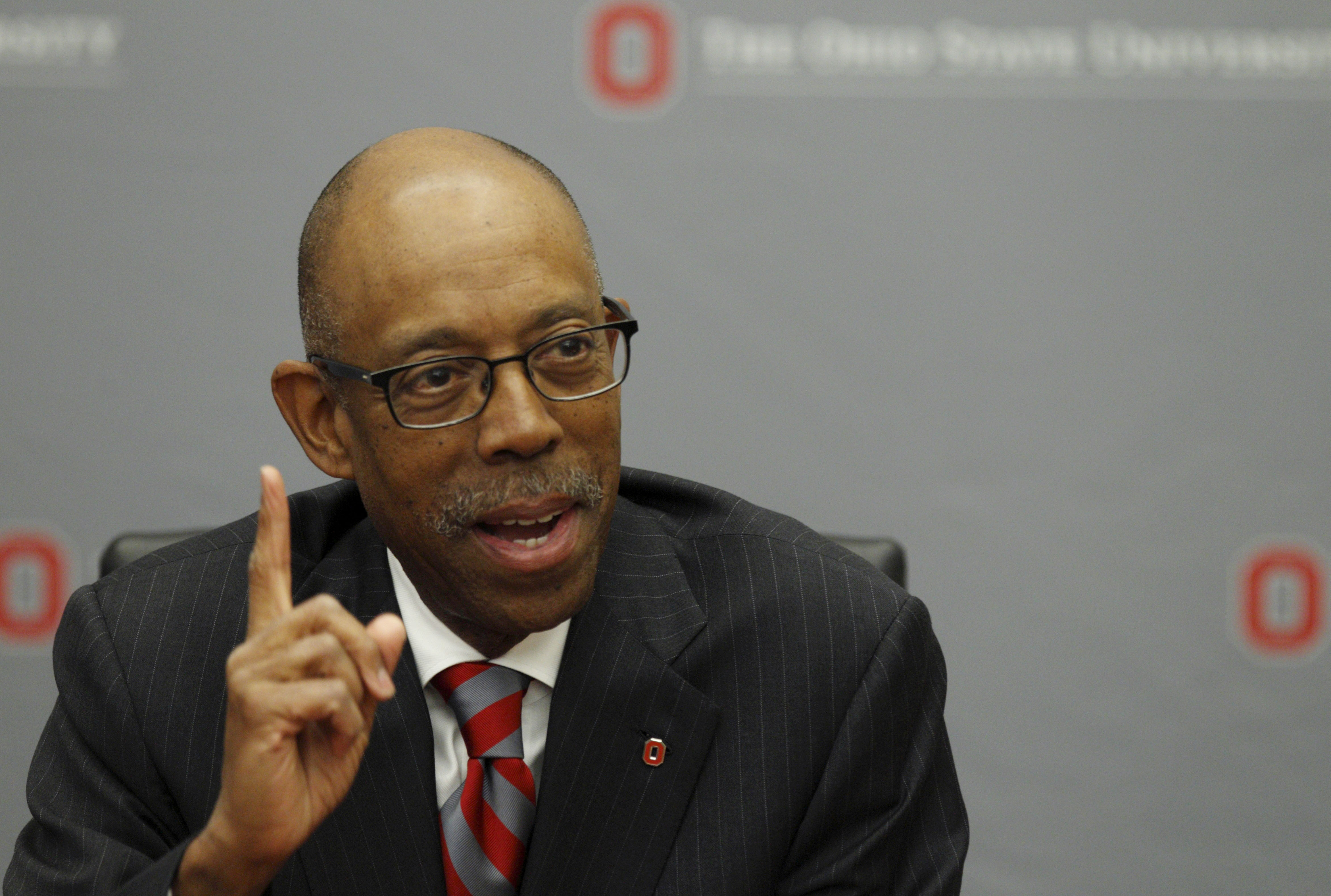 Ohio State trustees extend president's contract by 2 years ...
