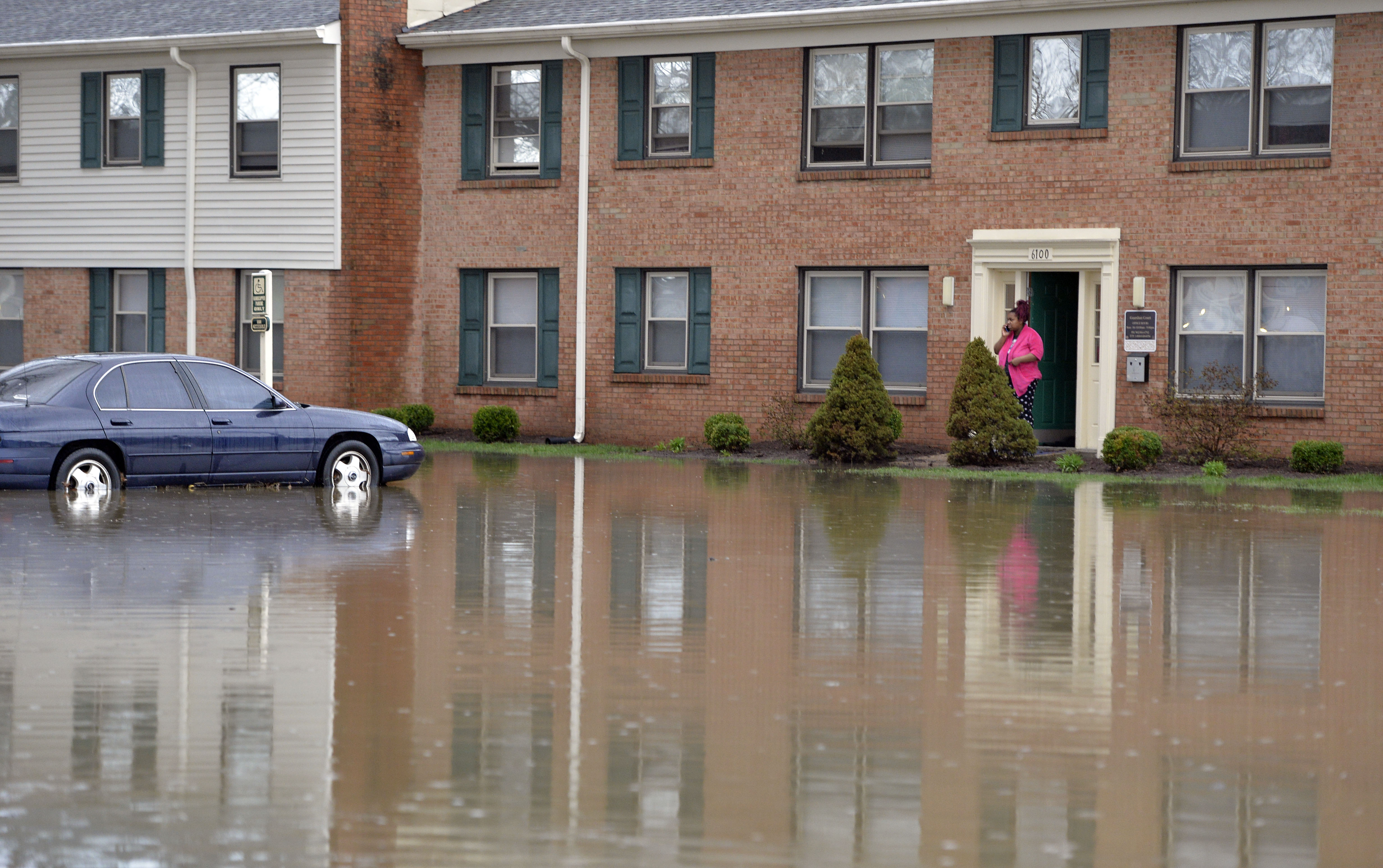 Flooding swamps louisville prompts rescues and evacuations as a rubansaba