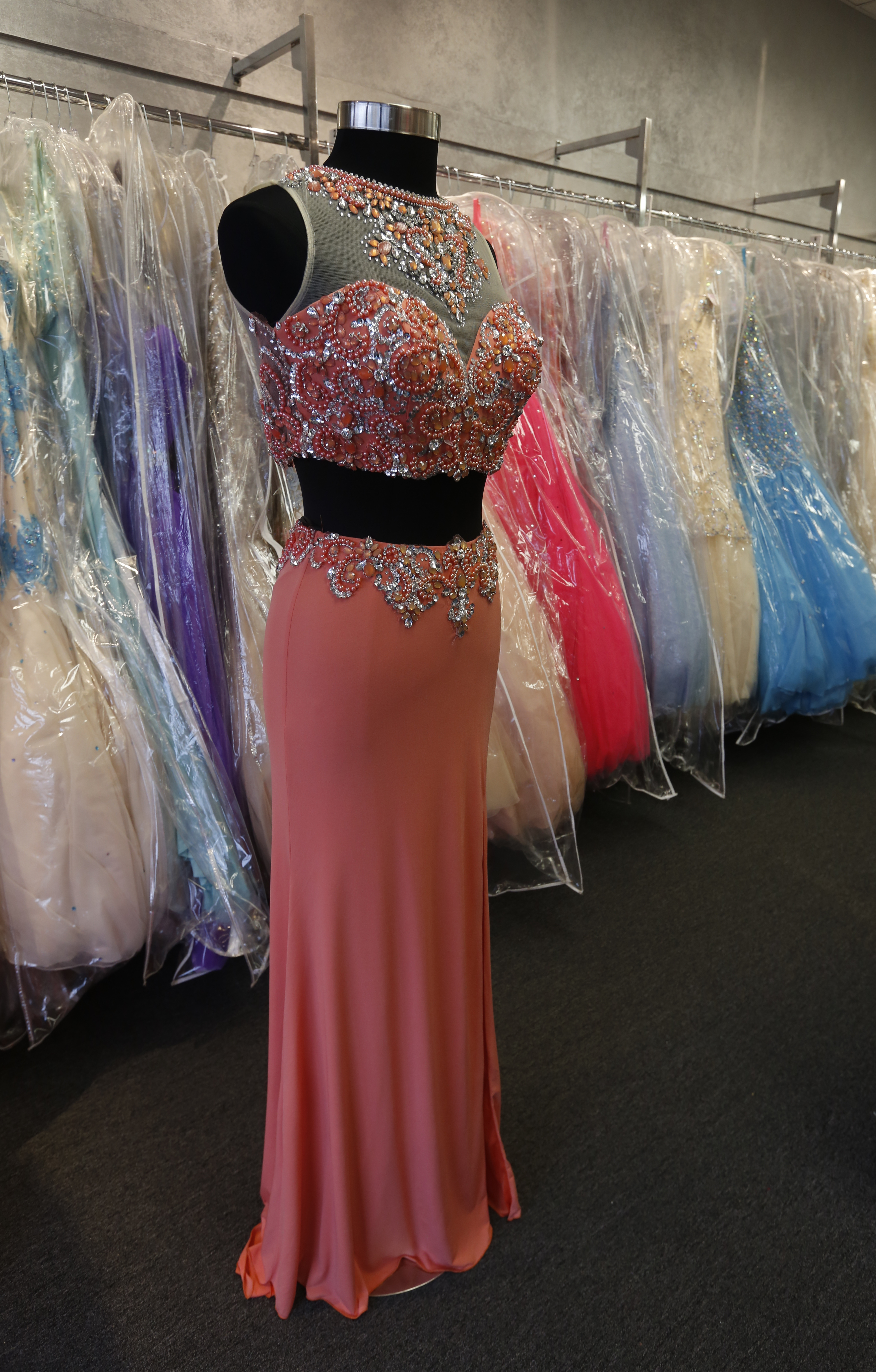 Teens\' formal prom season ready to spring - The Blade