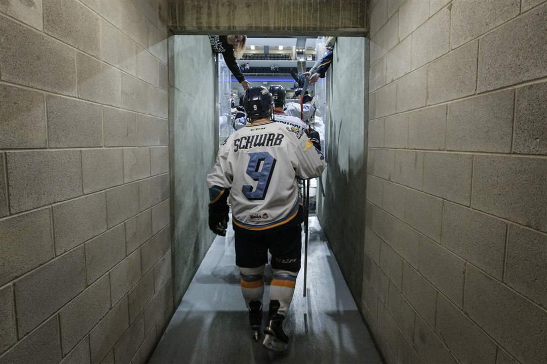 SPT-Walleye19pToledo-Walleye-player-Troy-Schw
