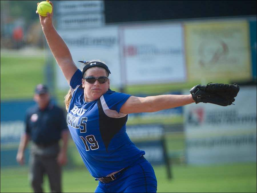 Springfield's Lexi Buck delivers against Teays Vally, during the first inning of the Ohio High School Div. I softball championship semifinal in Akron.