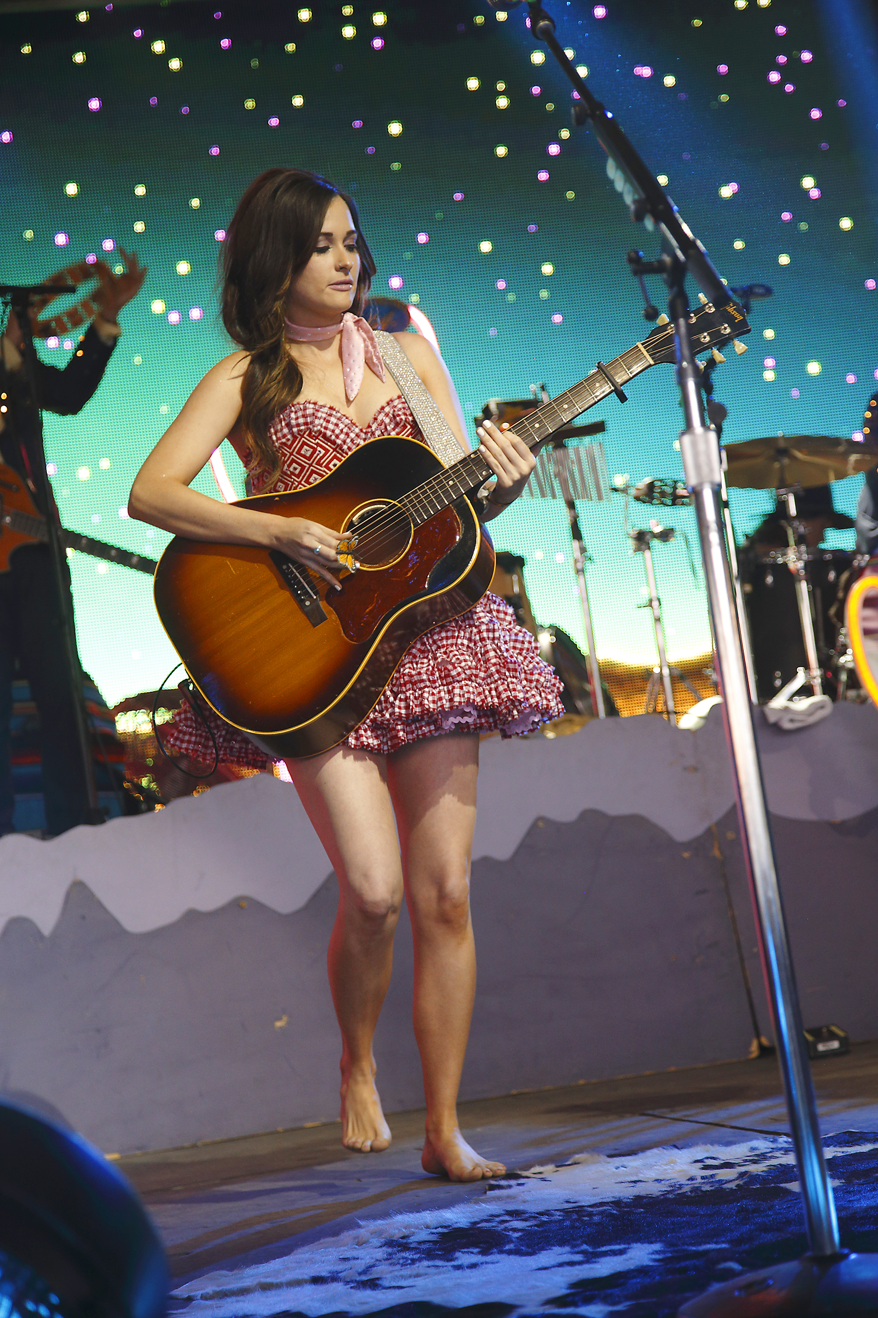 Kacey Musgraves Wows On  U2018pageant Material U2019