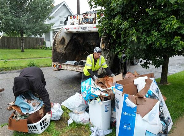 1 500 People Warned For Trash Issues The Blade