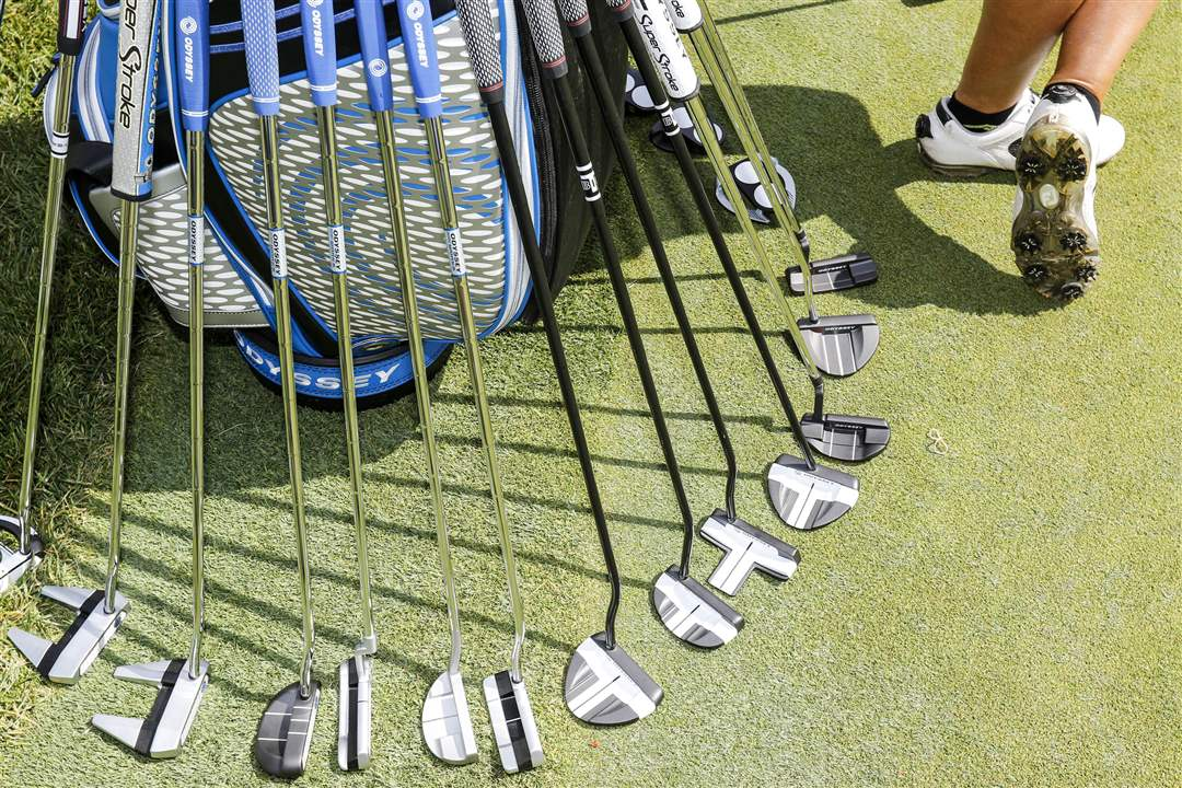 SPT-marathonclassic15pOdyssey-putters-are-lined-u