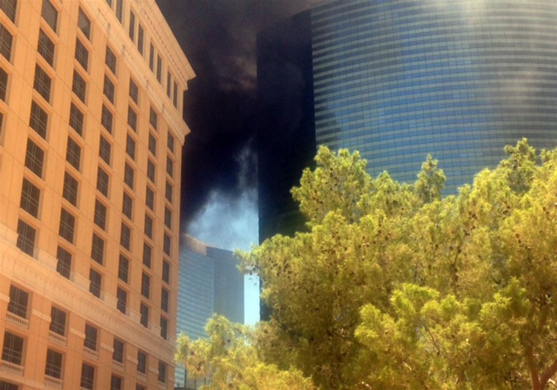 Fire Erupts At Swimming Pool Of Hotel On Las Vegas Strip The Blade