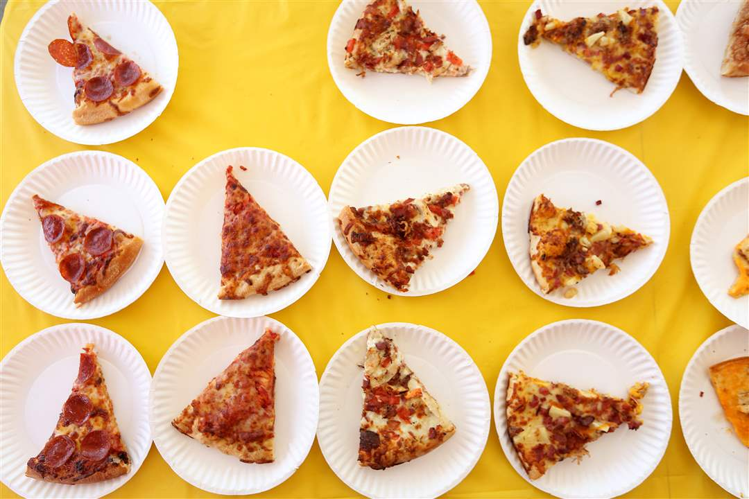 pizza26pPlates-of-pizz