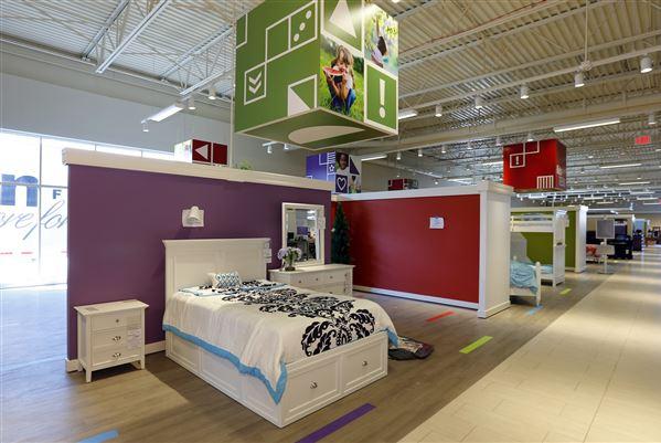 BIZ ArtVan21p 1. Art Van Furniture Opened Its First Ohio Location In Findlay .