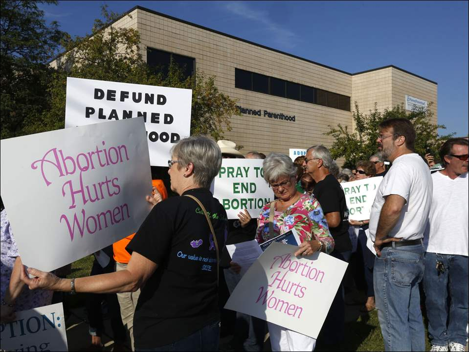 Citizens protest Planned Parenthood in Toledo.