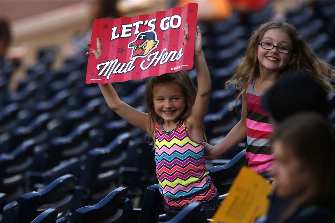 SPT-hens01pToledo-Mud-Hens-fan-Taylor-Johns