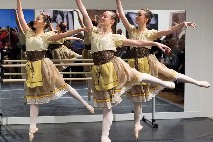 SOC-degas14p-dance-yellow-dresses