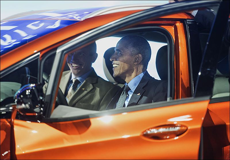 President Visits Auto Show In Detroit Toledo Blade