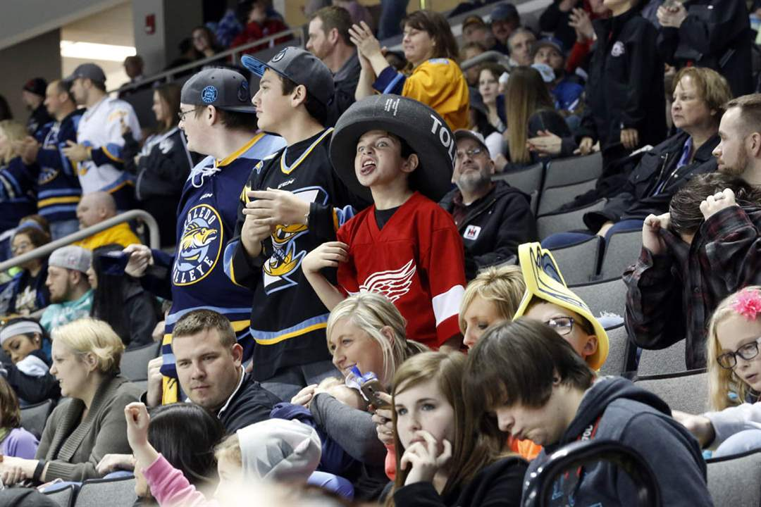 SPT-Walleye01pYoung-fans-cheer-on-th