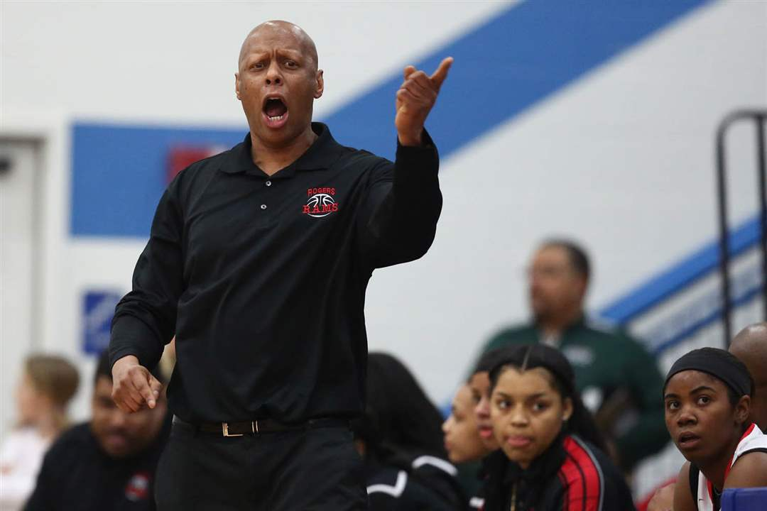 SPT-girlshoops25Rogers-head-coach-Lamar