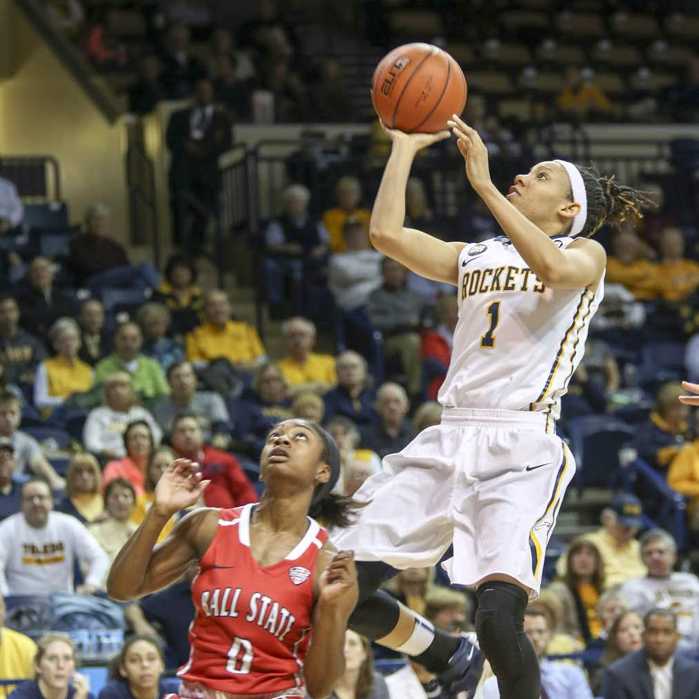 SPT-utwbb6Brenae-Harris-scoring-two-of