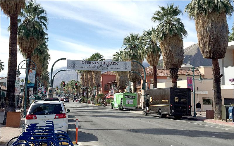 Palm springs california hot spot is cool again toledo blade for Shopping in palm springs ca