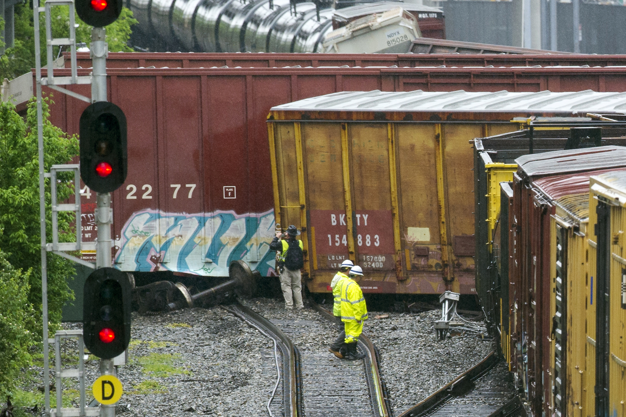Crews cleaning up derailment in Washington - The Blade