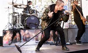 Nick-Jonas-Performs-on-NBC-s-Today-Show