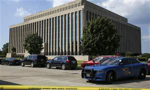 Michigan-Courthouse-Shooting-4