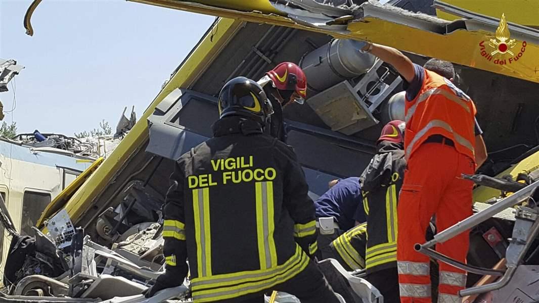At least 10 killed in Italian train crash