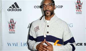 Snoop-Dogg-Railing-Collapse