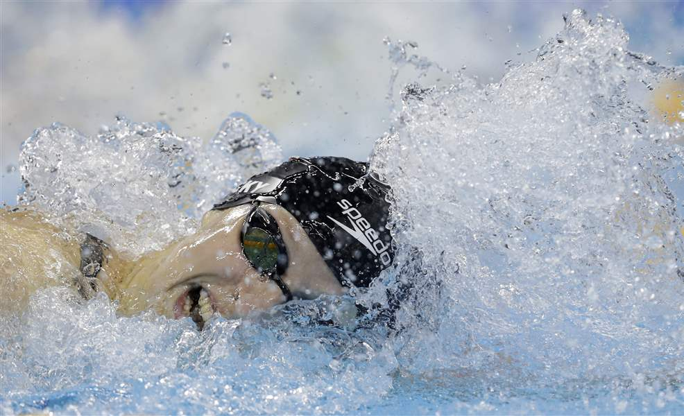 Ledecky's strong finish earns Team USA gold in women's 4x200M freestyle relay
