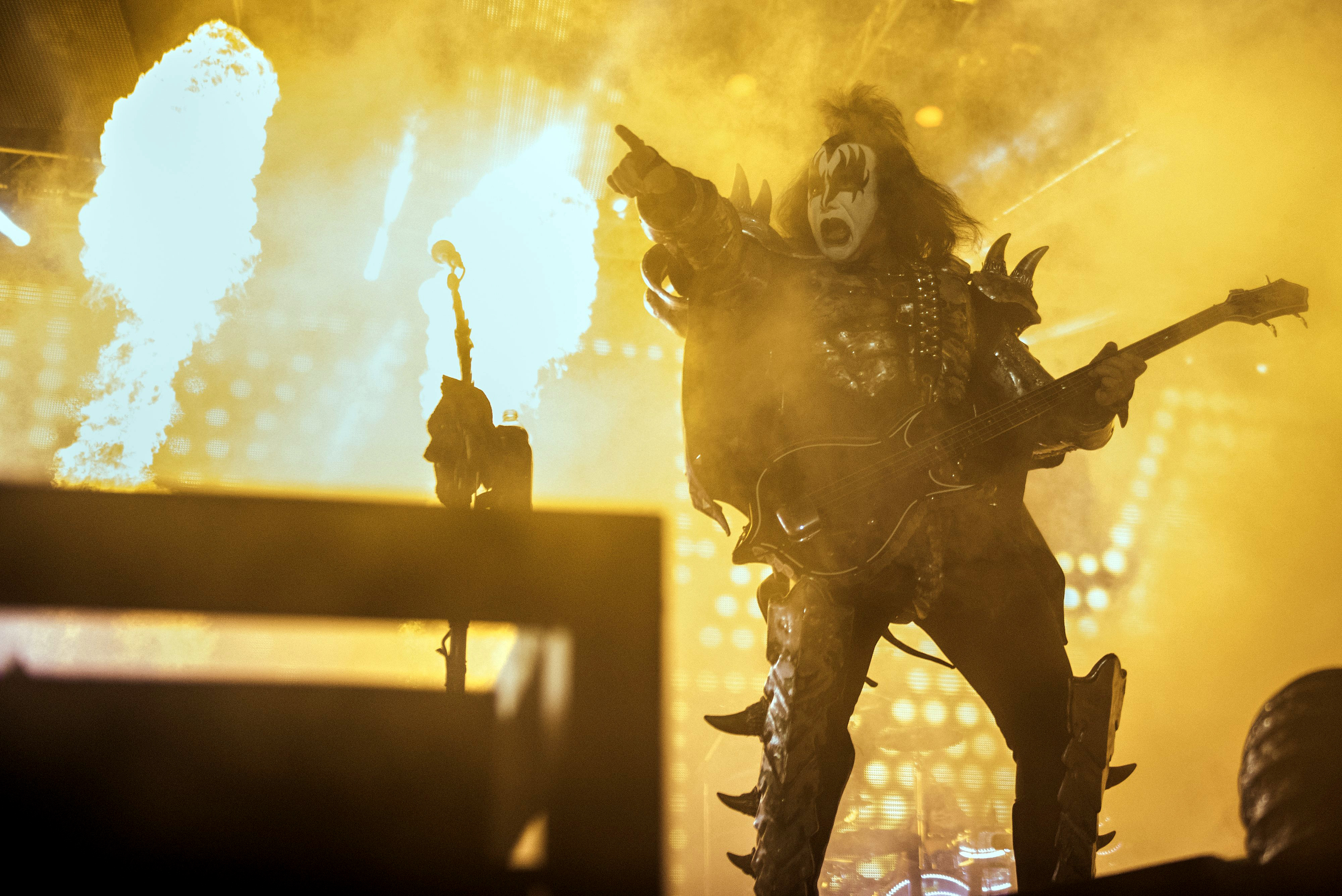 Gene Simmons And Kiss Selling Spectacle To Toledo Fans